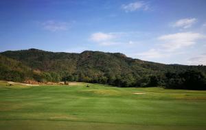 海南三亚亚龙湾高尔夫俱乐部