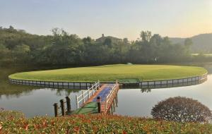 湖北宜昌三峡龙盘湖高尔夫球场